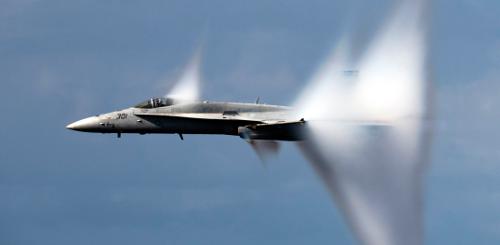 Трансзвуковой полет F-18