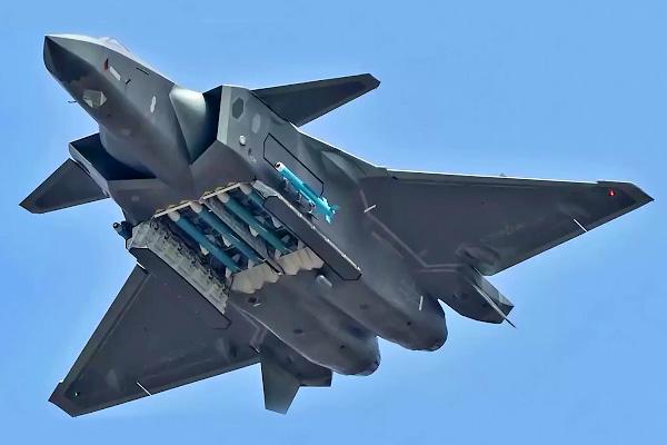 Китайский J-20