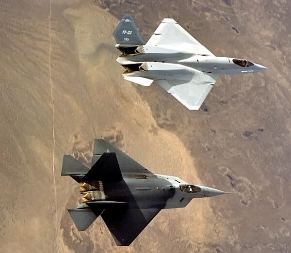 Участники тендера ATF (YF-22 и YF-23)